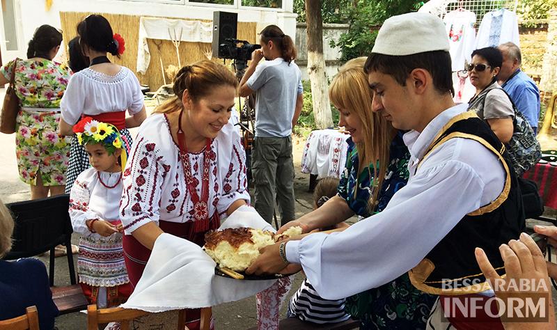 """Вышиванки, каравай и болгарские песни - в Измаиле """"Етноперлина"""" (ФОТО)"""