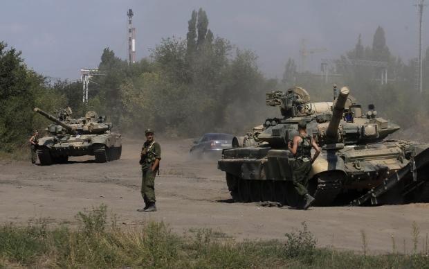 1409063820-2050 Bloomberg: Стратегия отрицания участия России в украинском конфликте начала рушиться
