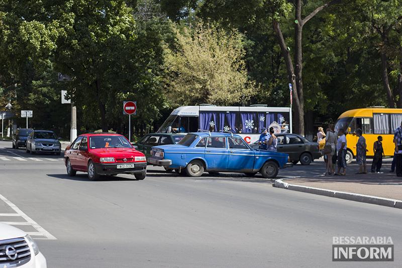 "IMG_5887 ДТП в Измаиле: На двух проспектах ""ВАЗ"" vs. ""Вольво"" (ФОТО)"