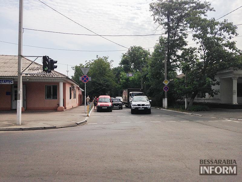 IMG_7835 Небольшое ДТП в Измаиле - водители разбили фары (фото)