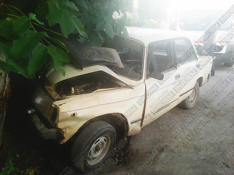 "drunk_dtp-izmail-2 ДТП в Измаиле: Пьяные на ""семерке"" въехали в дерево (фото)"