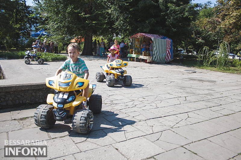 medspas-izmail-10 В центре Измаила проходит медовая ярмарка (фото)
