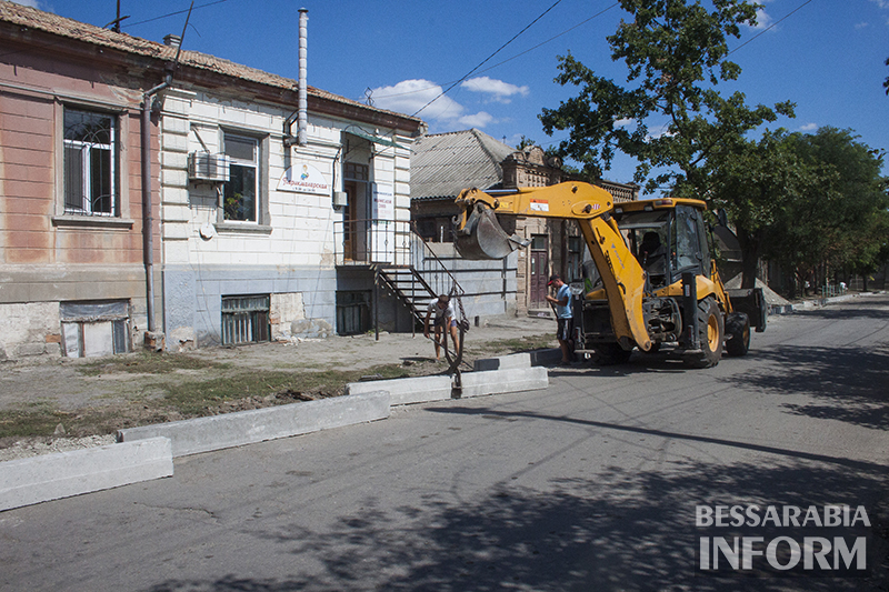 remont-bordyra-izmail-3 В Измаиле продолжается замена бордюров (фото)