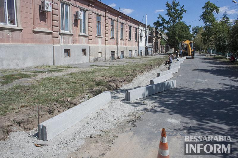 remont-bordyra-izmail-4 В Измаиле продолжается замена бордюров (фото)