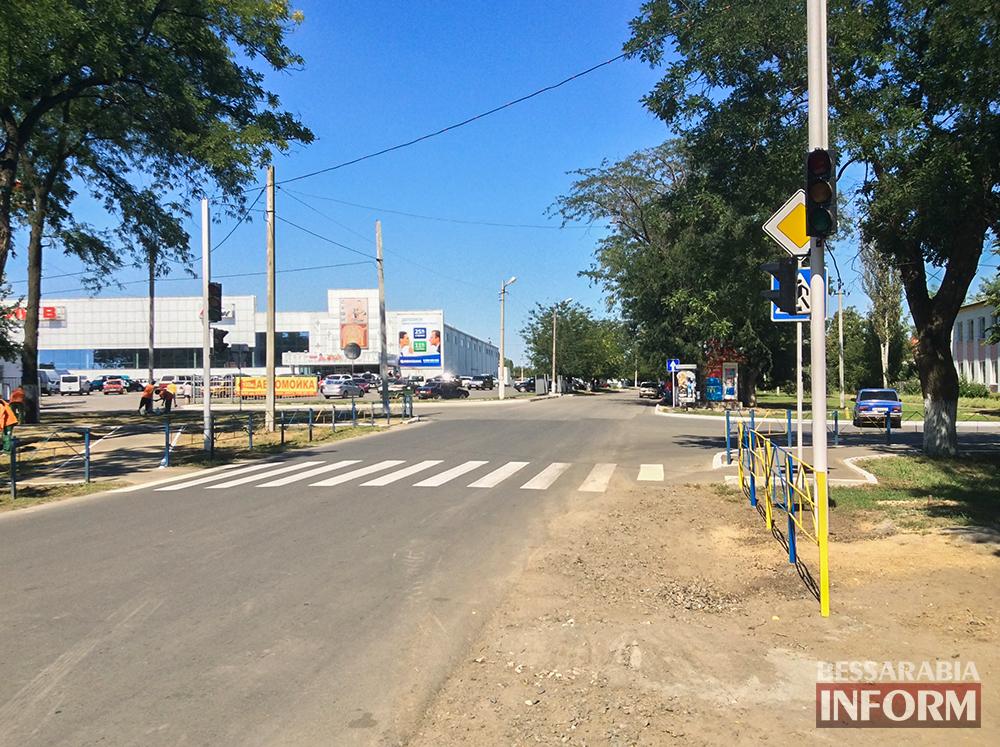 """Измаил: На """"Барановке"""" уже устанавливают светофоры (фото)"""