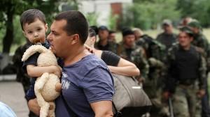 Россияне - беженцам из Донбасса: Не жалуйтесь и идите работать