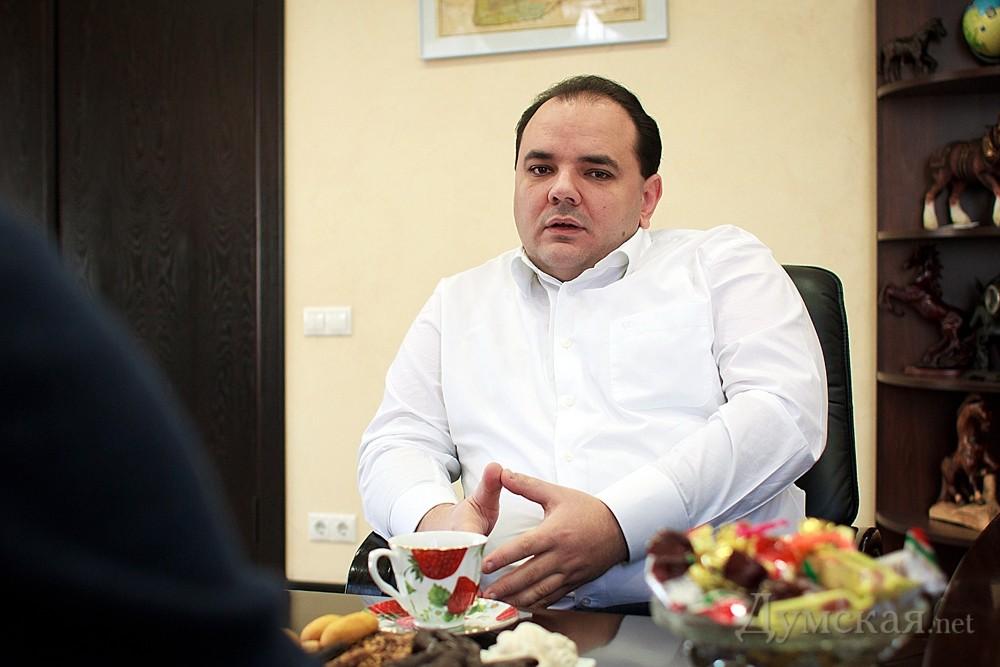 Скандальчик: Нардеп Виталий Барвиненко кинул «своих» на 730 тыс. гривен