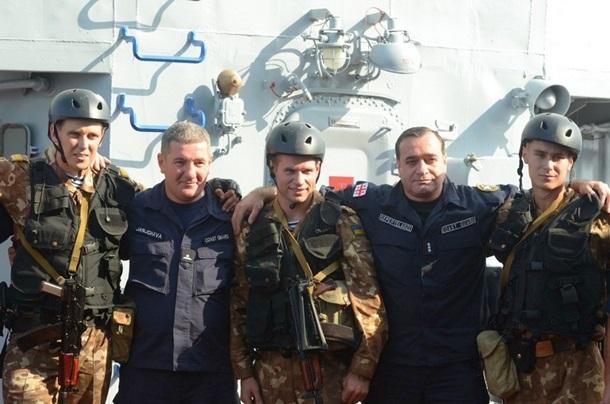 1501642 В Черном море закончились военно-морские учения (фото)
