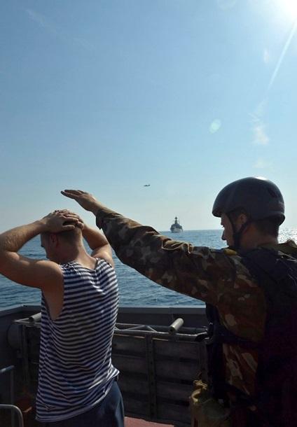 1501648 В Черном море закончились военно-морские учения (фото)