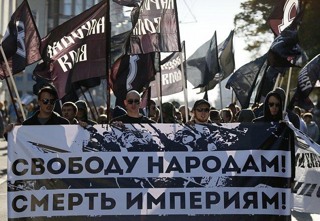 2096160d544504d01fb4f8ece2c45208 Марш мира в России: многолюдно и с украинскими флагами (фоторепортаж)