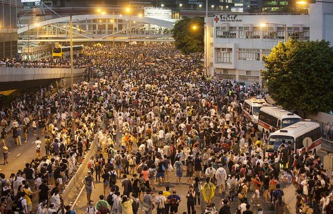 """304717d5a435f2eba8b3529c403c33d0 """"Майдан"""" в Гонконге: люди требуют демократических выборов"""