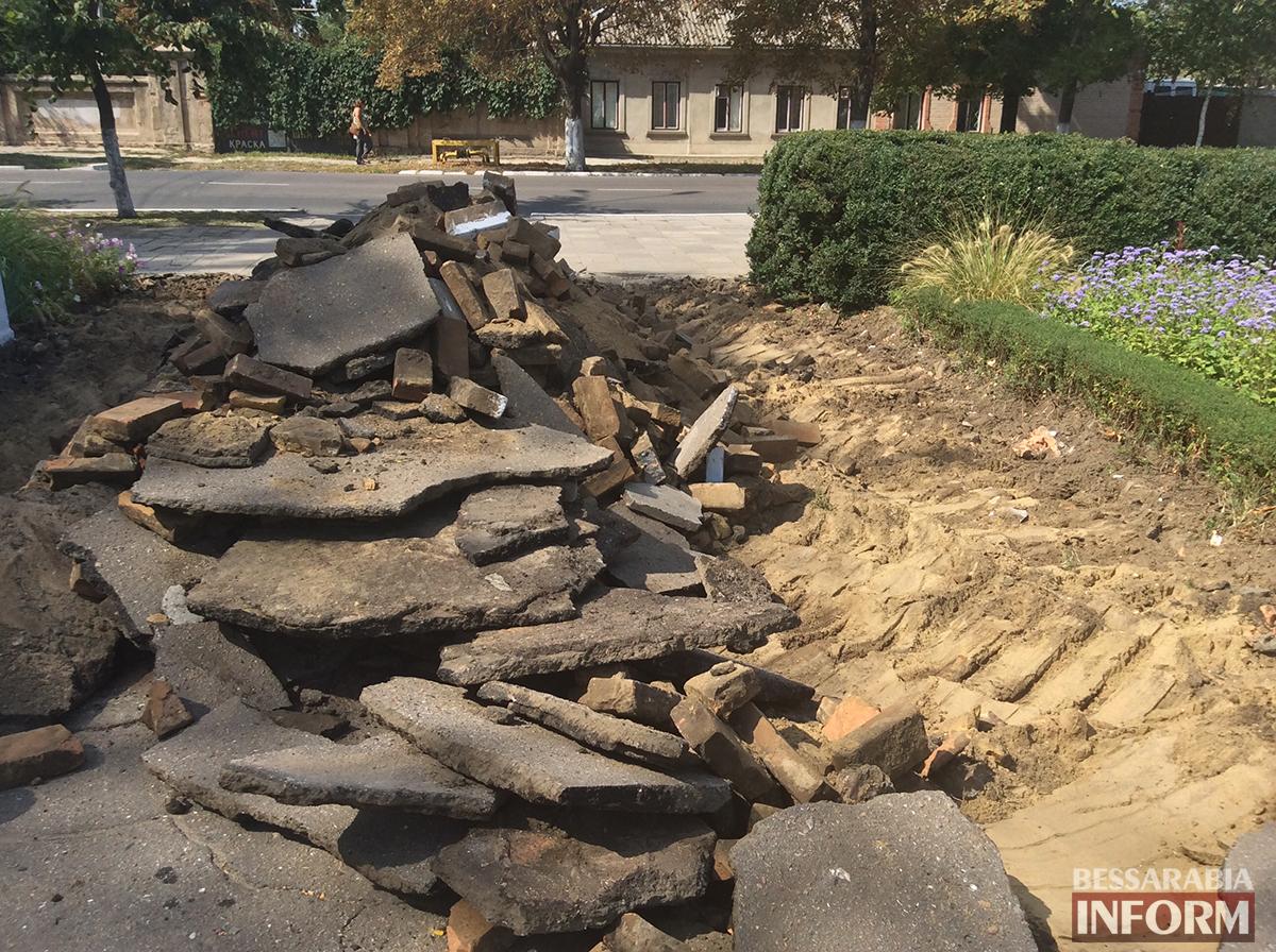 4 В Измаиле обновляют территорию возле Шевченка (фото)