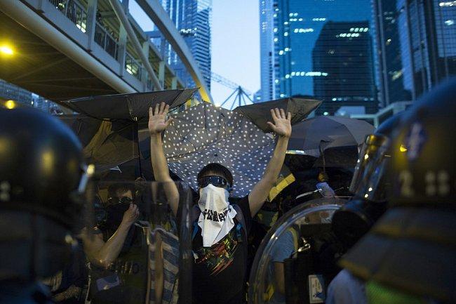 """4a0b999281eaa371a461c0e37f381f67 """"Майдан"""" в Гонконге: люди требуют демократических выборов"""