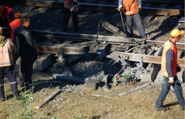 В Одессе рано утром взорвали железнодорожные пути (фото)