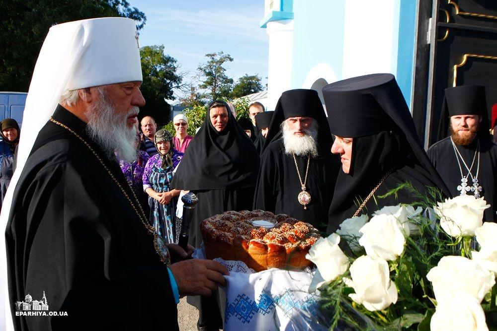 73O03302 Женский монастырь в Болградском районе отметил 90-летие (фото)