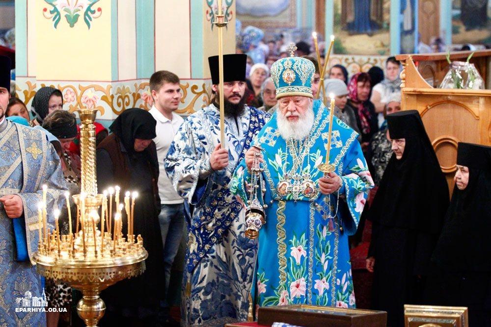 73O04354 Женский монастырь в Болградском районе отметил 90-летие (фото)