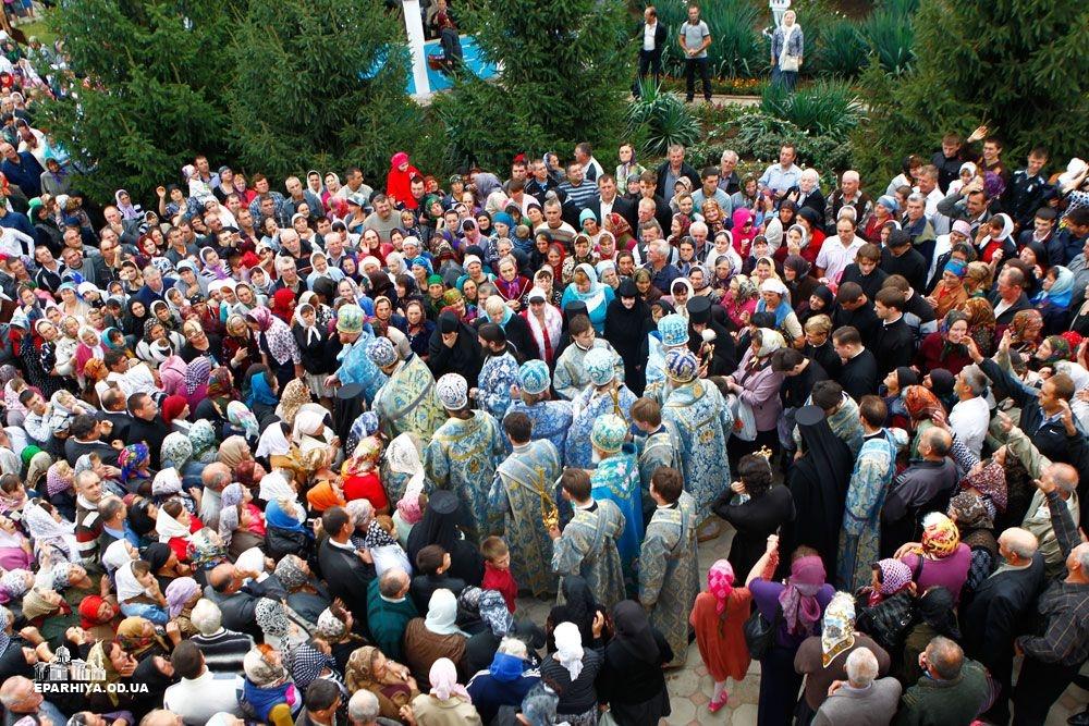 73O0904 Женский монастырь в Болградском районе отметил 90-летие (фото)