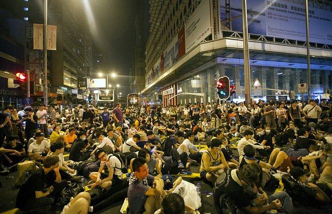 "7ce82fadb393130d05f7be7668151822 ""Майдан"" в Гонконге: люди требуют демократических выборов"