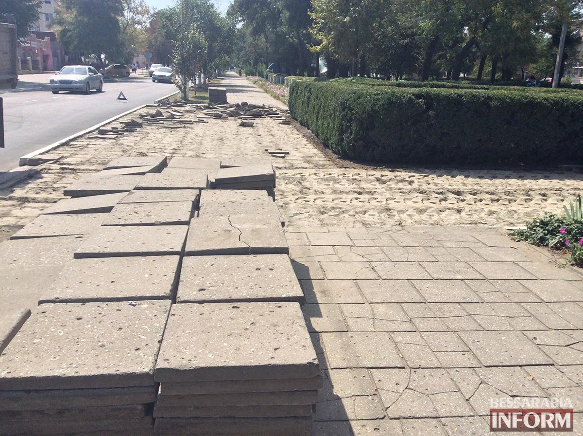 8 В Измаиле обновляют территорию возле Шевченка (фото)