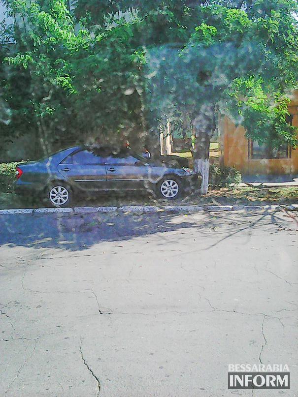 """TiTUGCWIDT8-1 ДТП в Измаиле: """"Camry"""" vs. дерево (фото)"""