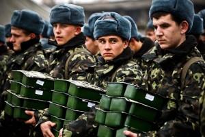 Украинцы всем миром вооружают свое войско
