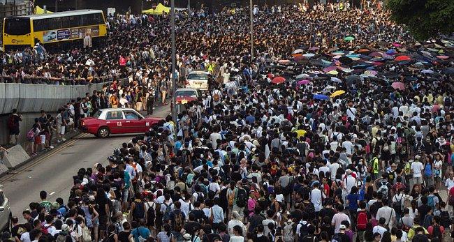 """f7dcfba795d497511f9ce6534b185fb6 """"Майдан"""" в Гонконге: люди требуют демократических выборов"""