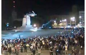 leninopad_kharkov-7-300x193 Оправдан ли снос советских идолов в Украине?