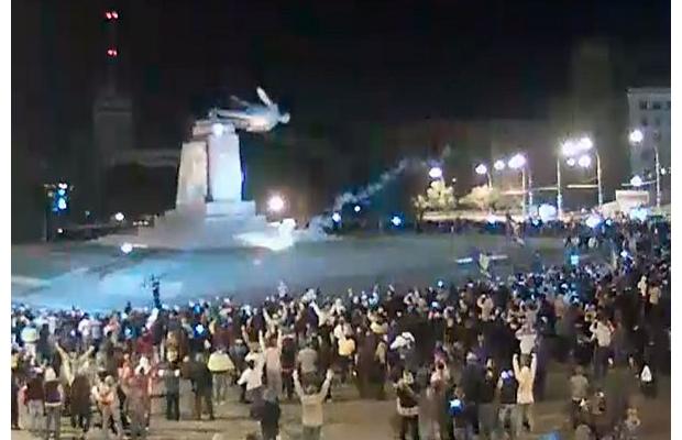 leninopad_kharkov-7 Самого большого Ленина в Украине повалили (ФОТО, видео)