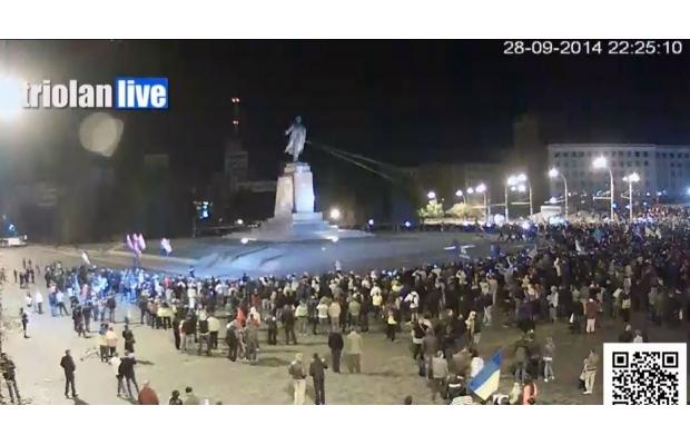 leninopad_kharkov-8 Самого большого Ленина в Украине повалили (ФОТО, видео)