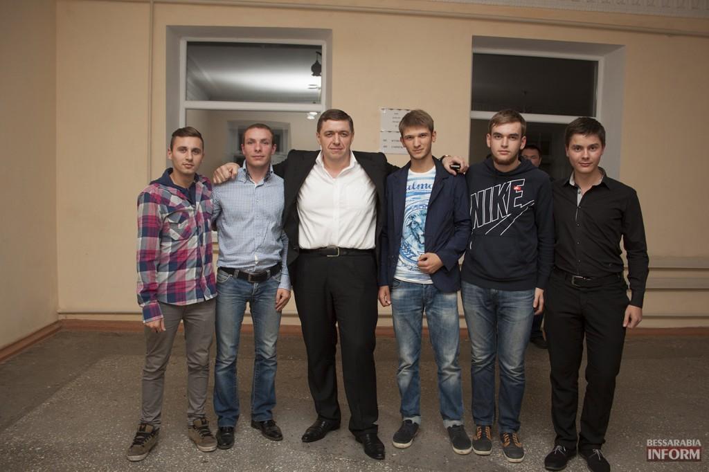 vladuchen_dubovoy-1-1024x682 Дубовой во Владиченях поздравил пожилых людей (фото)