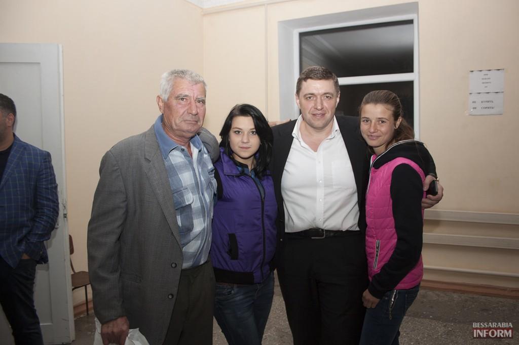 vladuchen_dubovoy-14-1024x682 Дубовой во Владиченях поздравил пожилых людей (фото)