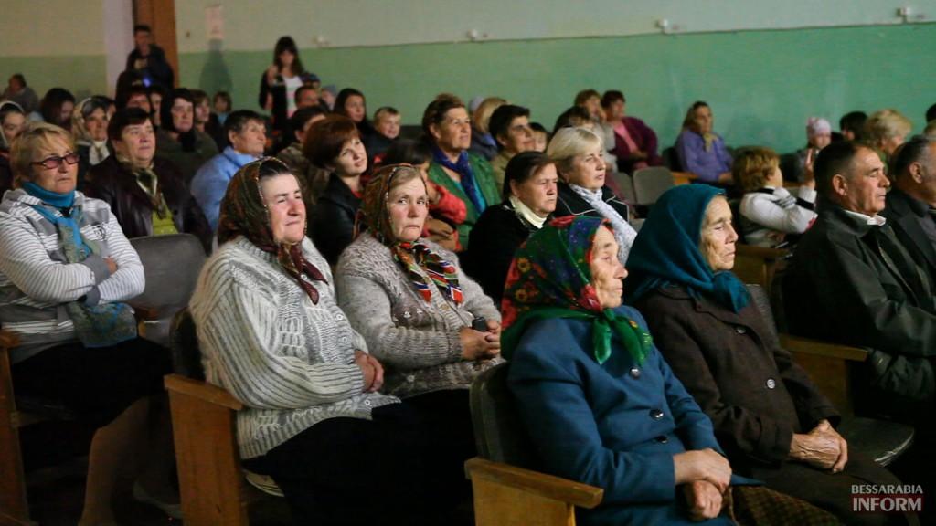 vladuchen_dubovoy-4-1024x576 Дубовой во Владиченях поздравил пожилых людей (фото)