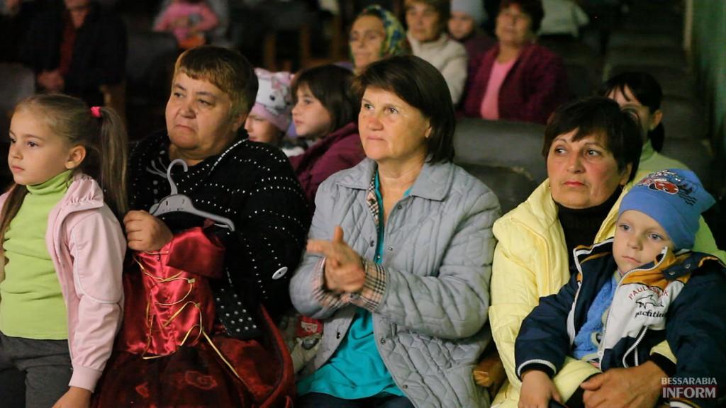 vladuchen_dubovoy-5-1024x576 Дубовой во Владиченях поздравил пожилых людей (фото)