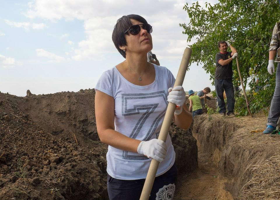 wiRrfryBykU На границе с Приднестровьем на выходных рыли окопы (фото)