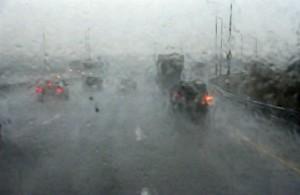 Дождь-в-дороге-1-300x195 ГАИ предупреждает водителей об ухудшении погоды