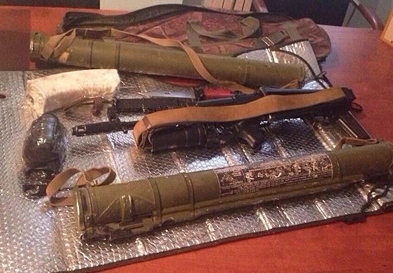Скриншот-2014-10-18-16.44.37 Милиция задержала торговцев оружием и взрывчаткой в Одесской области (фото)