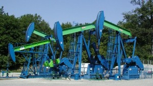 1412070569-4490-300x169 Нефть начала дорожать после резкого падения