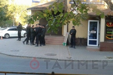 Фотофакт: Барвиненко охраняет целый отряд