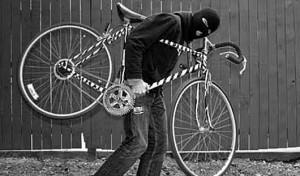 1558-300x176 Измаильчанин укатил со двора монастыря велосипед