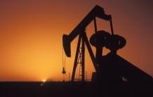 Мировые цены на нефть падают до критических для  России показателей