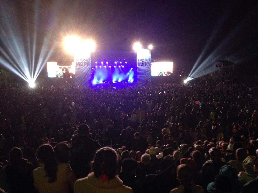 3ZWW0sSGV9s-1024x768 В Измаиле продолжается концерт ради мира (фото)