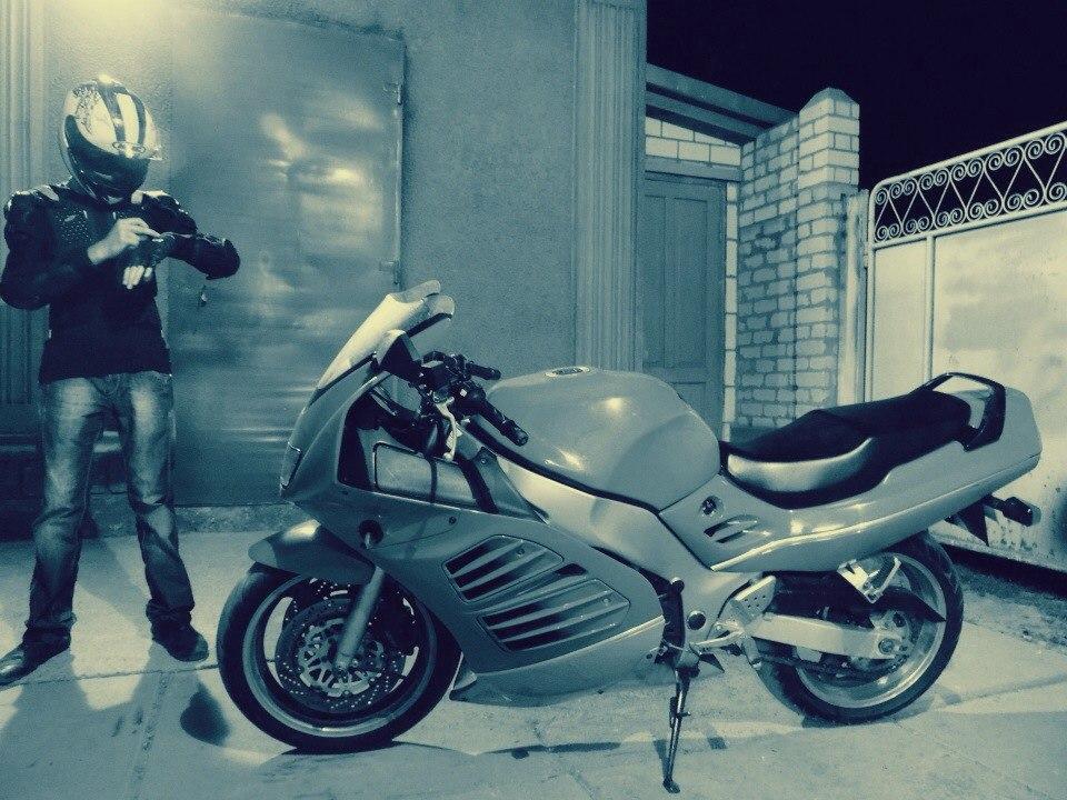 """40bXsM8u4ow В Б.-Днестровском ночью столкнулись """"БМВ"""" и мотоцикл, водитель и девушка погибли (фото)"""