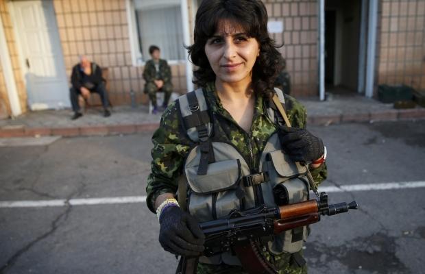 620_400_1412950893-7557 Женщины, которые  воюют (фото)