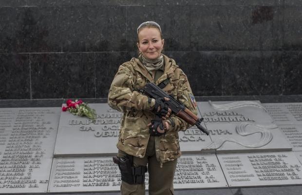 620_400_1412951073-3971 Женщины, которые  воюют (фото)