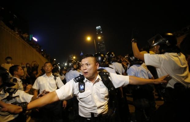 620_400_1413439285-8006 В Гонконге возобновилось противостояние полиции и активистов (фото)