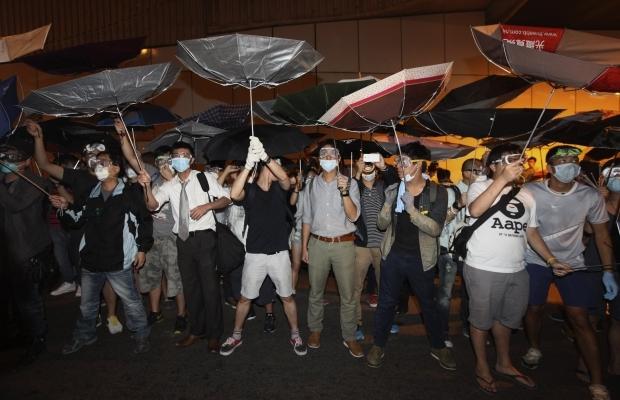 620_400_1413439286-3770 В Гонконге возобновилось противостояние полиции и активистов (фото)