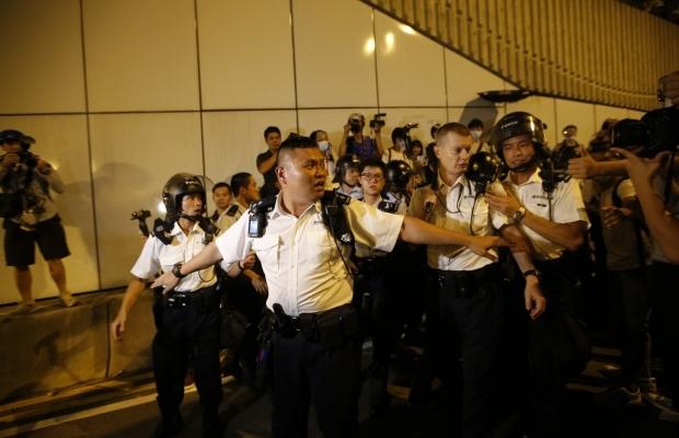 620_400_1413439286-7425 В Гонконге возобновилось противостояние полиции и активистов (фото)