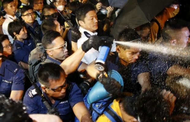 620_400_1413439302-1855 В Гонконге возобновилось противостояние полиции и активистов (фото)