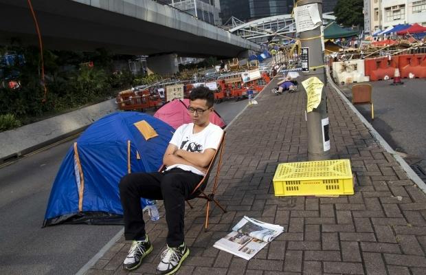 620_400_1413439302-4587 В Гонконге возобновилось противостояние полиции и активистов (фото)