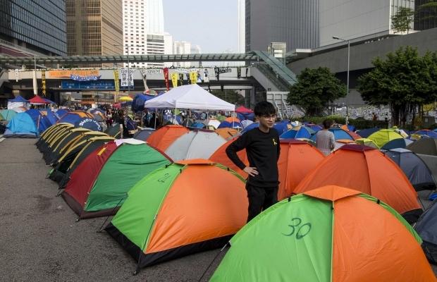 620_400_1413439302-8461 В Гонконге возобновилось противостояние полиции и активистов (фото)